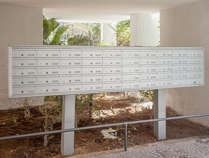 מערכת תיבות דואר על עמודים