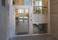 דלת אלומיניום