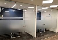דלת זכוכית למשרדים
