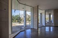 ויטרינות זכוכית לובי בניין